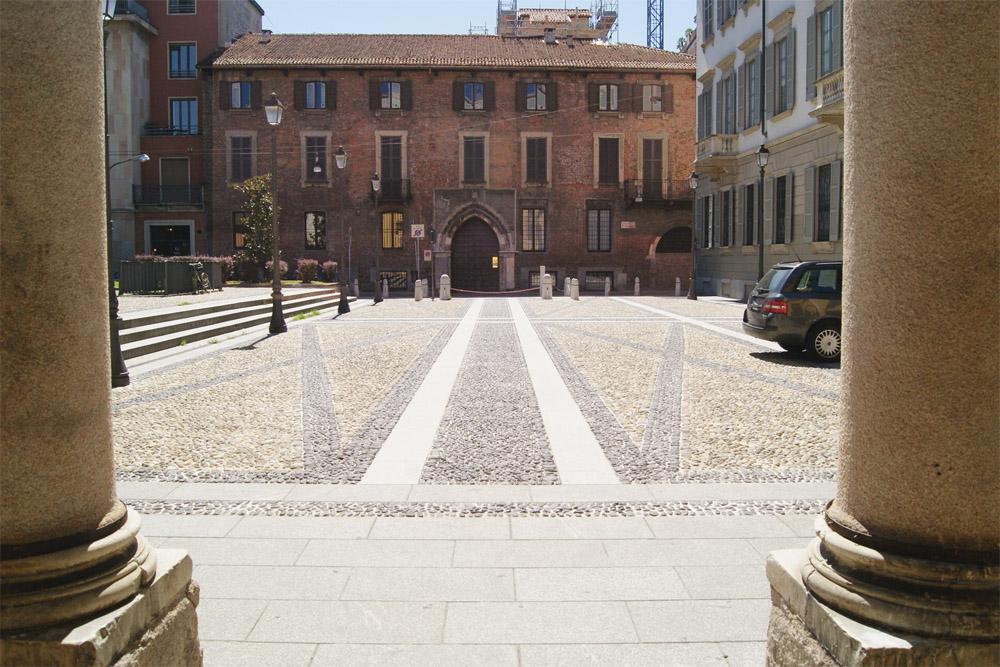 Piazza Borromeo (6/6)