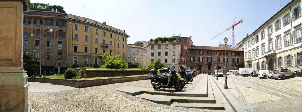 Piazza Borromeo (4/6)