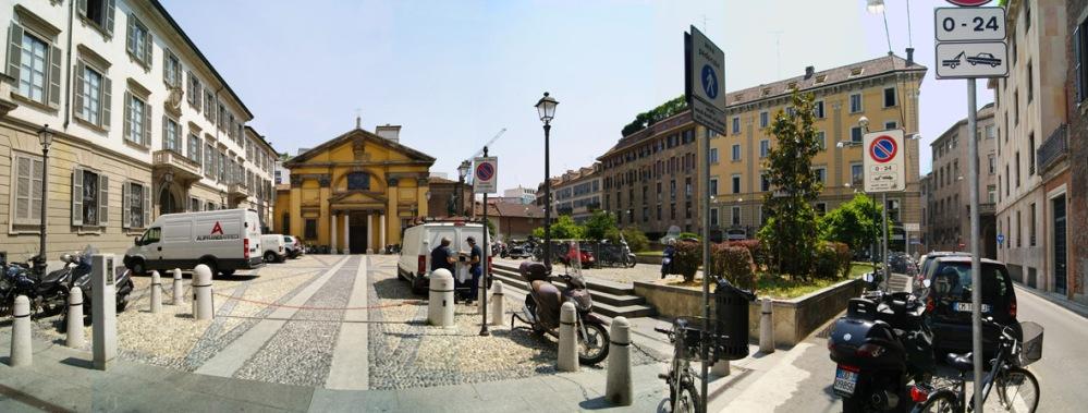Piazza Borromeo (2/6)