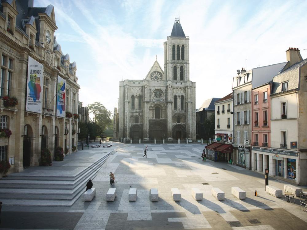 Superfici urbane conviviali. Un progetto di suolo a Saint Denis. (2/4)